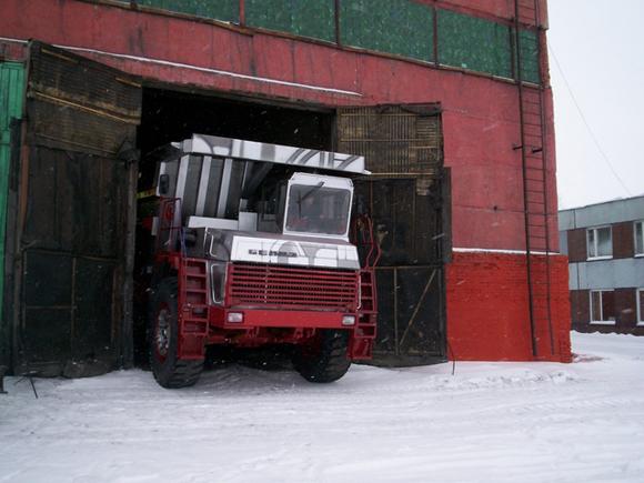 Worlds_Largest_Dump_Truck_Art_Car_Central_14