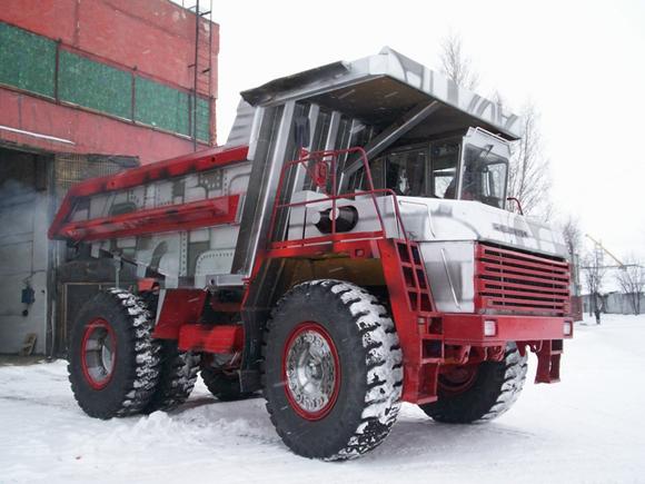 Worlds_Largest_Dump_Truck_Art_Car_Central_15