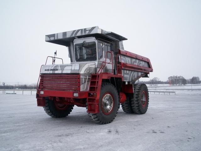 Worlds_Largest_Dump_Truck_Art_Car_Central_17